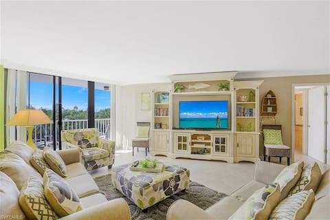 Condo on beach*Newly Remodeled *Gated Community