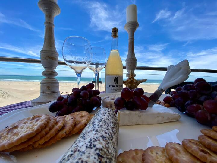 Paradise Sands, Luxury Room Apartment on the Beach