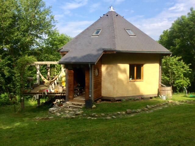 Maison yourte écologique