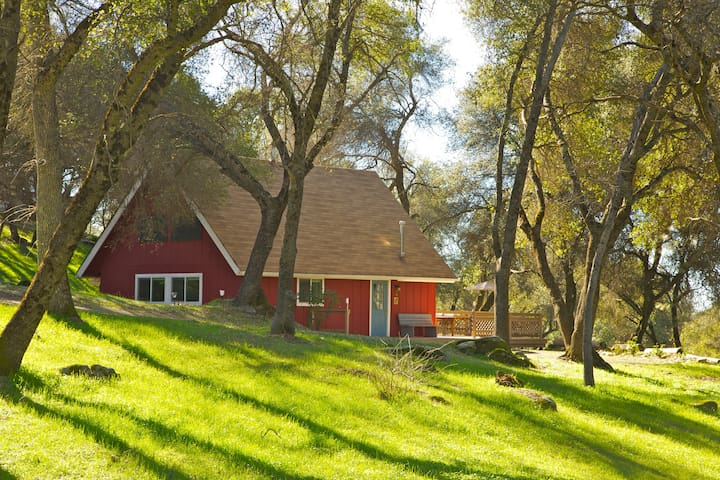 Little Red House - Mariposa