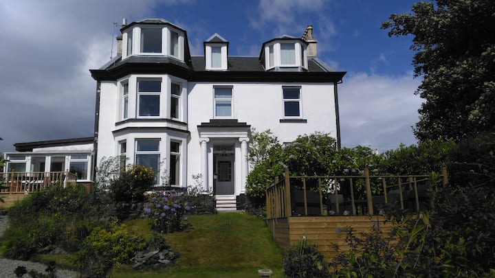 Mandalay Seaside Villa, West Bay, Dunoon, Argyll