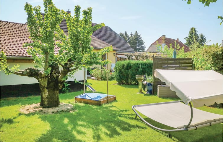 Holiday cottage with 1 bedroom on 35m² in Steffenshagen