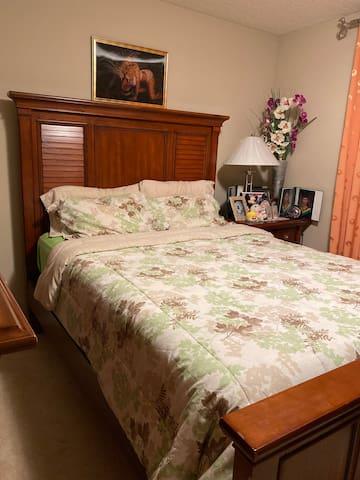 No.2 bedroom in Skyview Ranch
