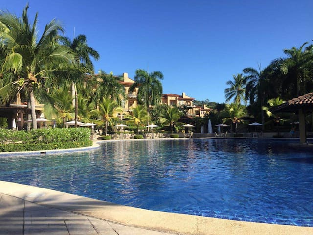 Los Sueños Resort Colina Condo - Herradura - Kondominium