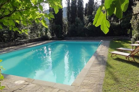 Lovely panoramic house with private park and pool - Creti