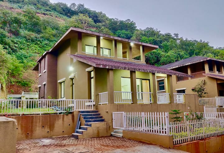 Fully Furnished Villa With Scenic View in Lavasa