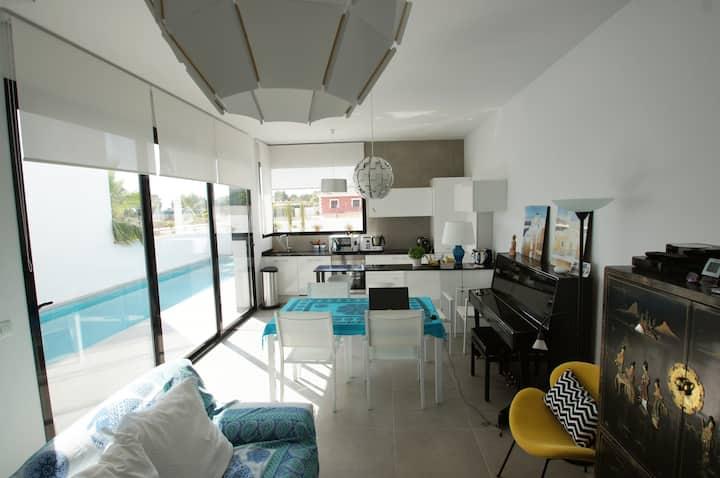 Alicante Villa piscine privée calme et commodités