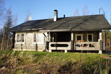 Norppatorppa log cabin for 8 - Kiviapaja/Savonlinna