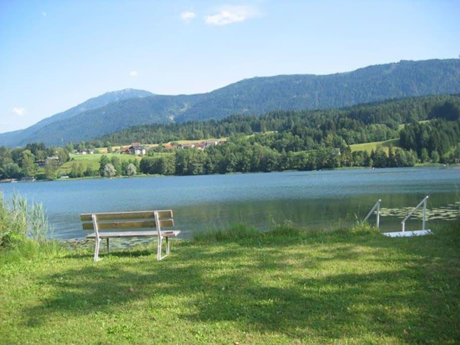 Eigene Badestrand / private lake entry