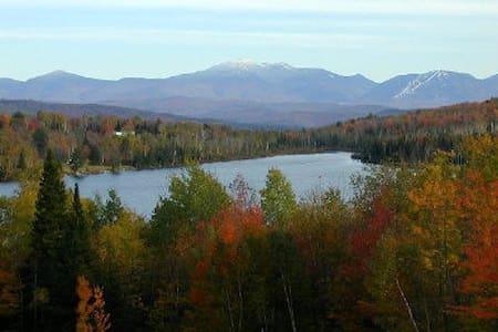 Rural Vermont Roadside Cottage-Maples and Birches - 콩코드(Concord) - 통나무집