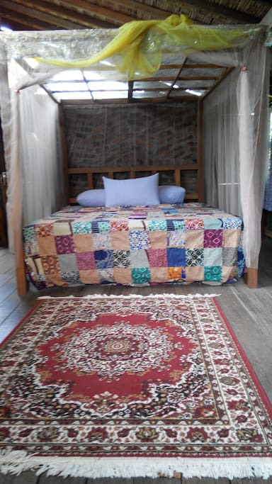 Queen size bedding with mosquito net