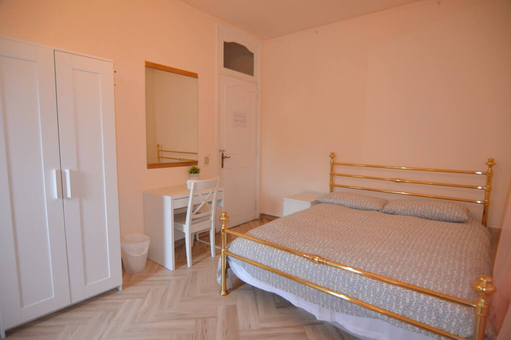 rome meile house chambres d 39 h tes louer rome latium italie. Black Bedroom Furniture Sets. Home Design Ideas