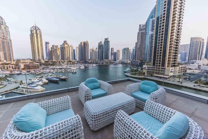 Cayan Tower Stunning Marina View 2Bedroom