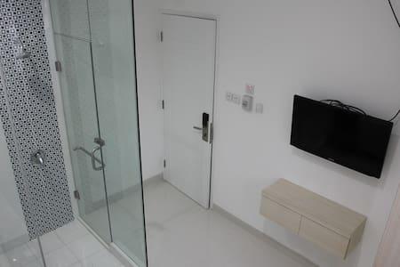 clean minimalist room south Jakarta - Kebayoran Lama - Makuusali