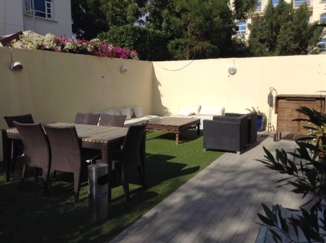 Nice villa in Dubai - Dubai - House