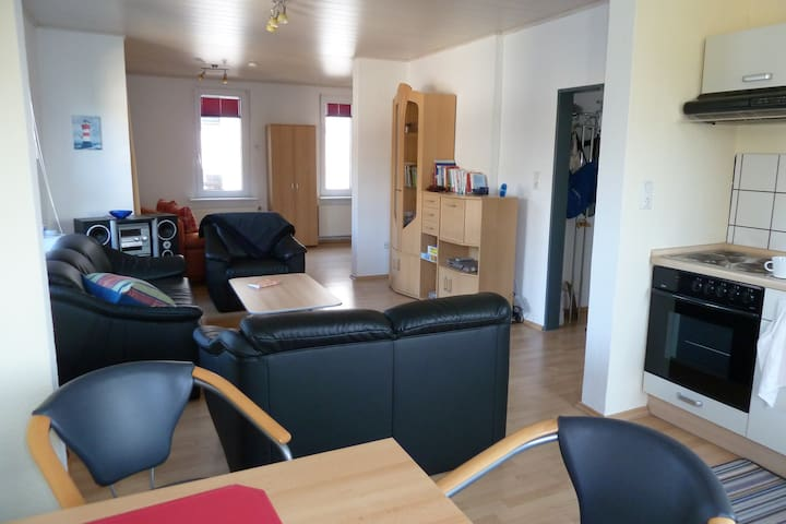 Bright and friendly flat, close to the water - Wilhelmshaven - Apartment