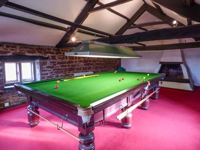 EDEN HOUSE, family friendly, with open fire in Edenhall, Ref 925455
