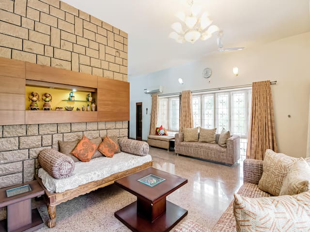 OYO - Elegant 1BR Homestay, Hyderabad - WOW-Deal!
