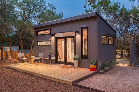 Sundown: une maison minuscule magnifique de designer