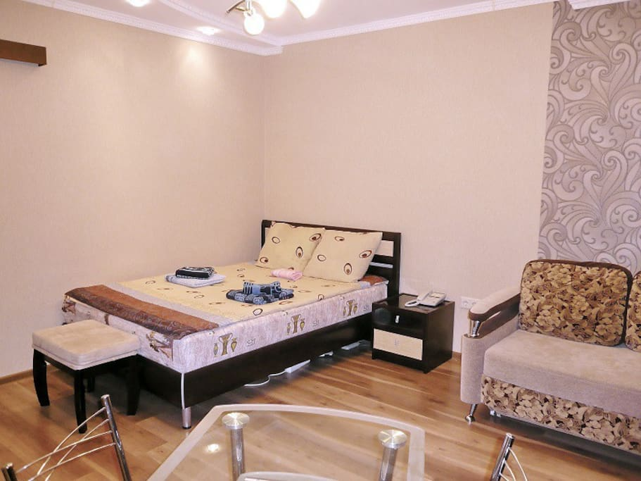 двуспальная кровать 160*200 см