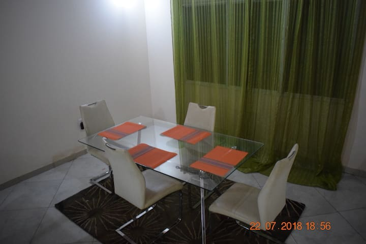 Accra Multi-unit building. Excellent for family Vacay, enough room/space for group stay or just a couple visiting Accra.