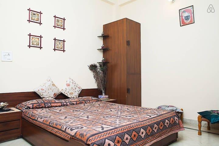 pocket friendly comfortable room