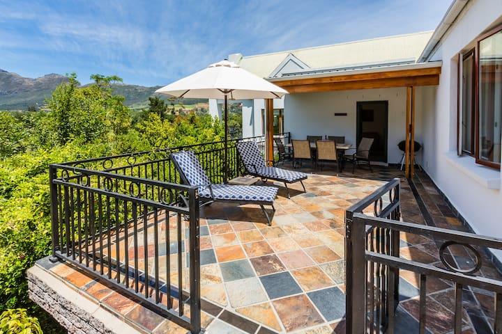 Coral Gables House @ De Kraal Estate - Stellenbosch - House