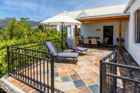 Coral Gables House @ De Kraal Estate - Stellenbosch