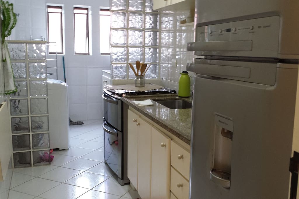Kitchen fully equipped - New appliances!  Toda equipada