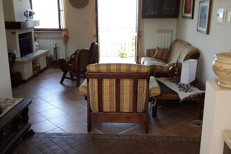 "Casa ""Dal verde all'arte"" . - Colle San Marco - Apartemen"