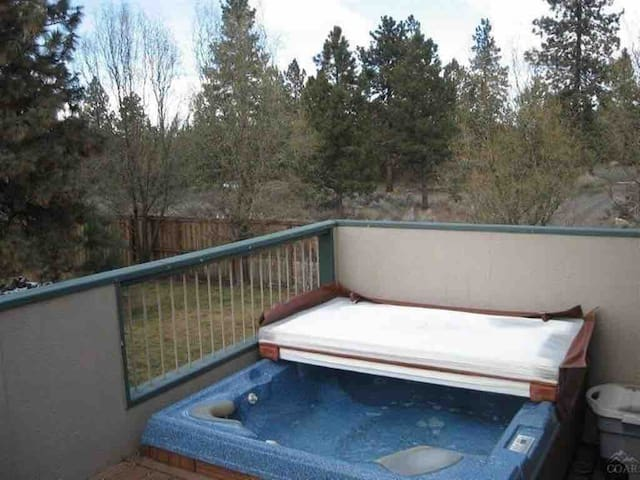 Balcony Suite with Hot Tub and Garden View