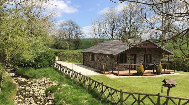 Secluded Lodge at Horton Hall Farm, Near Skipton