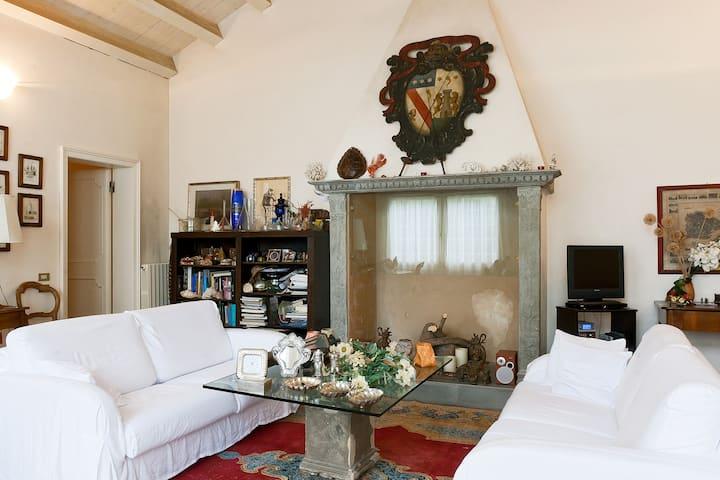 Old Secret Venetian House & Garden