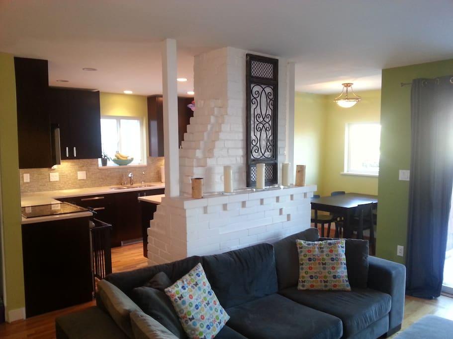 Open concept kitchen / living / dining & breakfast nook.
