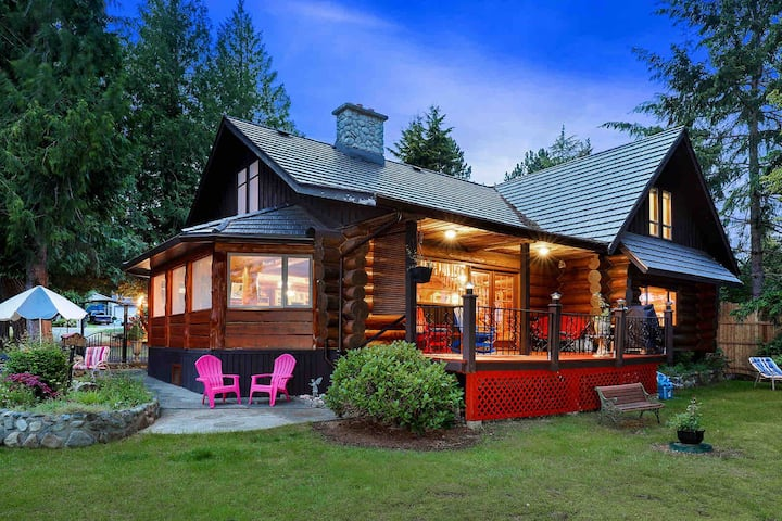 Union Bay Log Home Guest House