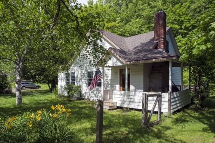 Beautiful Keene cottage in ADK - Keene - House