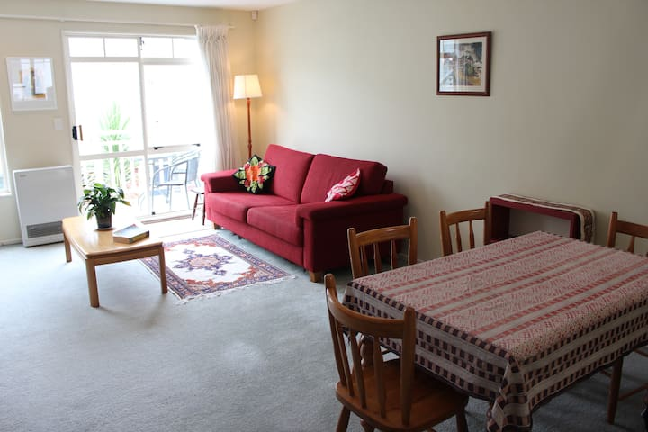 Sunny, cosy townhouse in central Wellington - Wellington - Townhouse