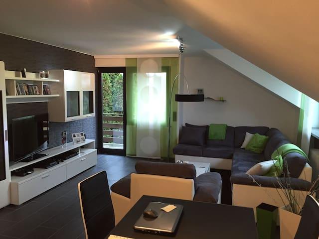 Moderne Wohnung mit großer Küche - Alfter - Apartment