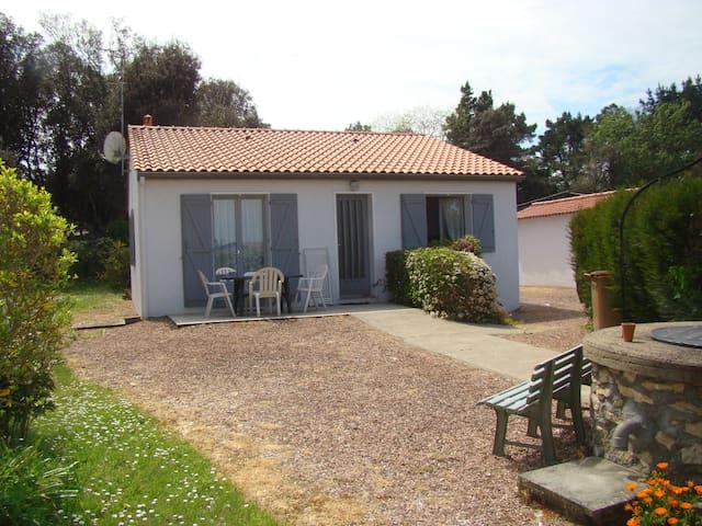 Maison indépendante avec jardin - Longeville-sur-Mer - Casa