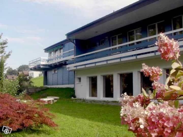 65m2 Dachwohnung - mit Blick auf Bodensee
