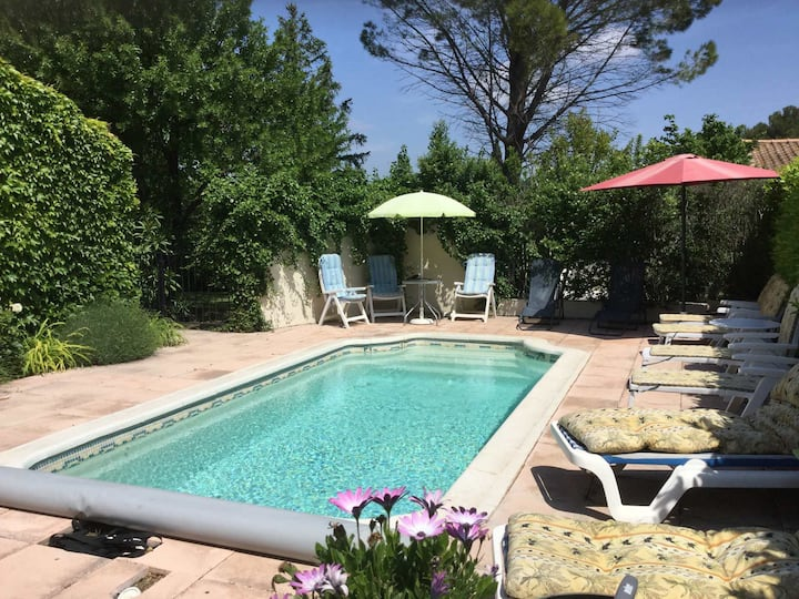 Beautiful vacation rental in the village of Mouriès in the Alpilles