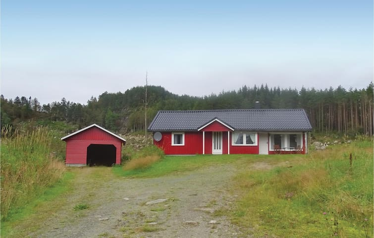 Holiday cottage with 2 bedrooms on 90m² in Kvinesdal