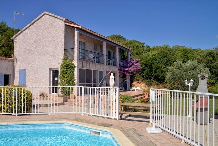 2éme Studio dans Villa Cassiopée avec piscine - San-Giovanni-di-Moriani - Appartement