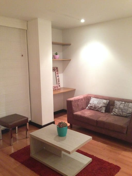 Sala con acceso a TV.