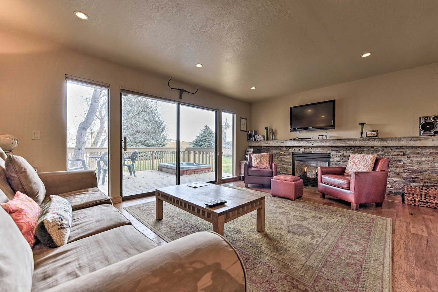 Visit the mountain town of Park City and stay at this vacation rental condo!
