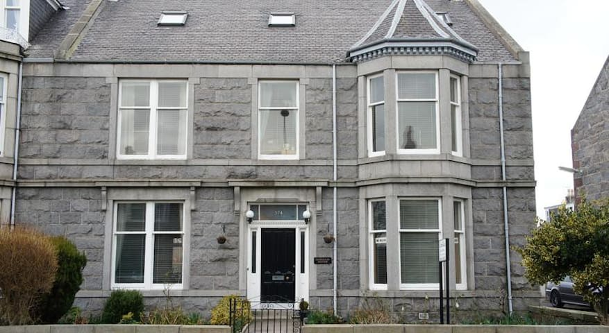 Aberdeen Camillia Guest House- Single room