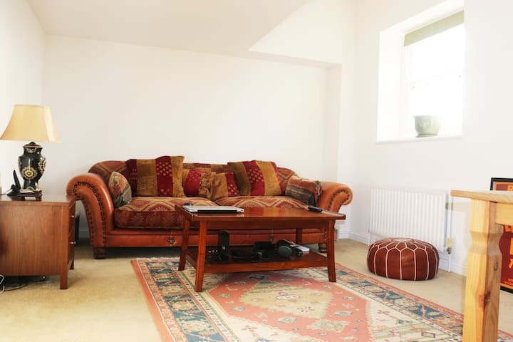 A peaceful, clean apartment. Angel Islington Zone1