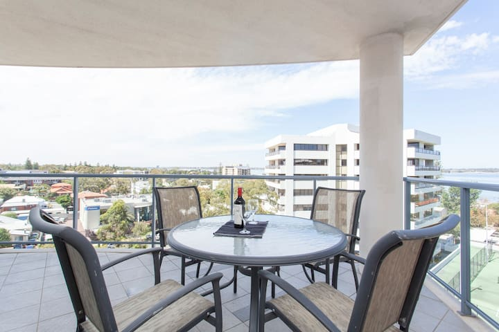 Modern South Perth apartment with great views! - South Perth - Appartement