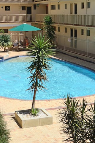 Your home away from home - East Perth - Apartment