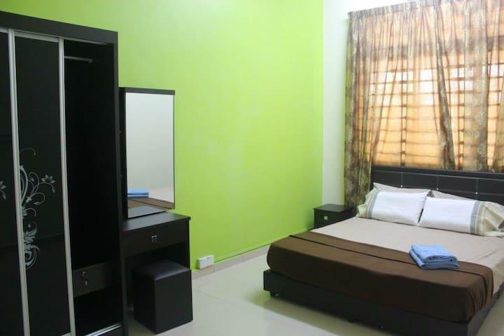 Al Amiru Guest House - Balok - Rumah